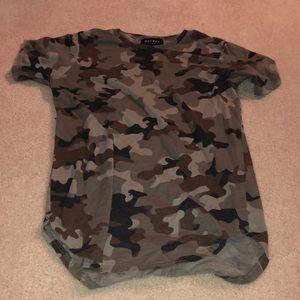 Longer fit camo Pacsun tshirt